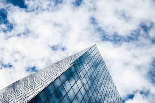 photo - immeuble et ciel - diversifier son patrimoine